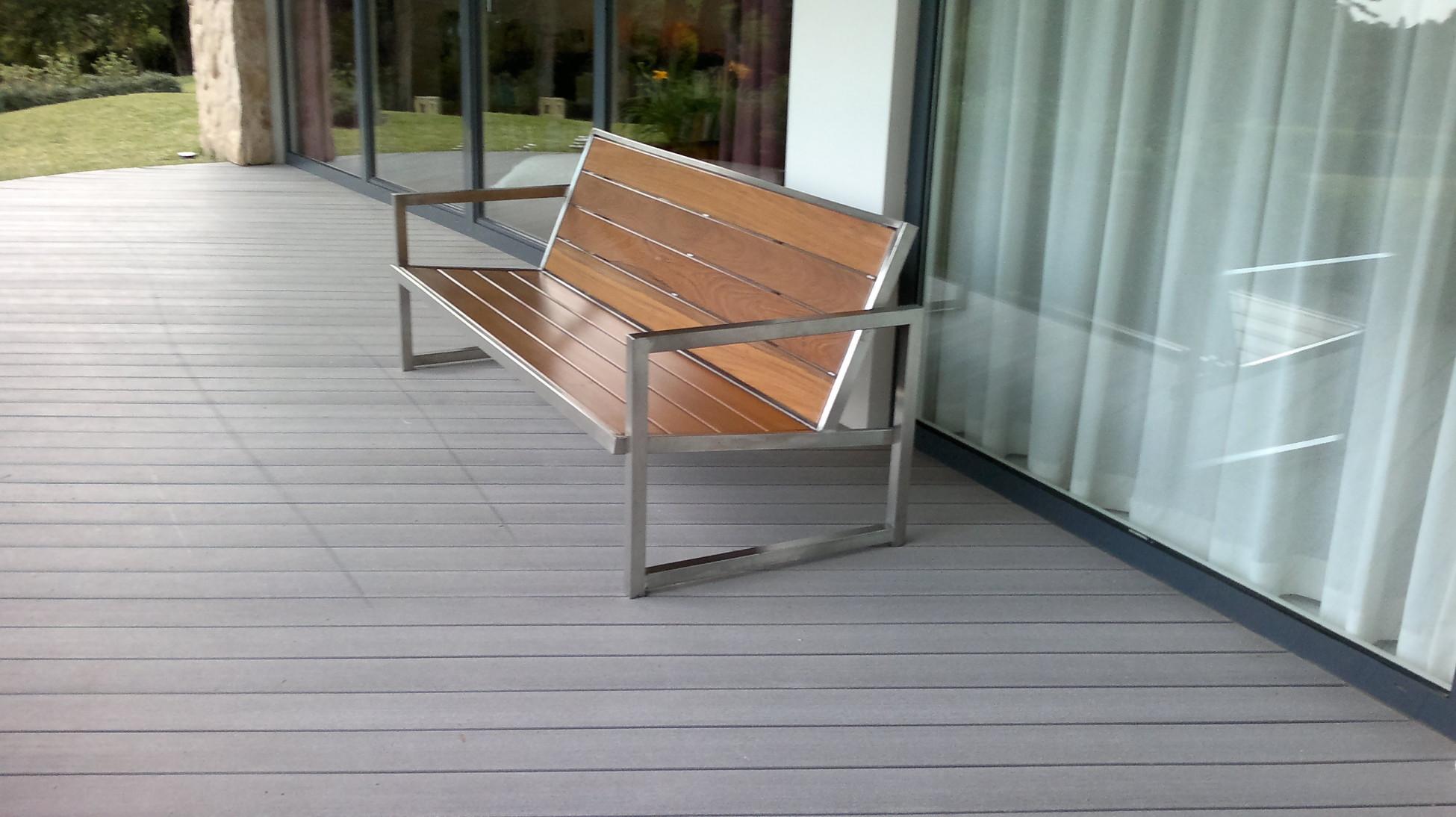 banco de madera e inox