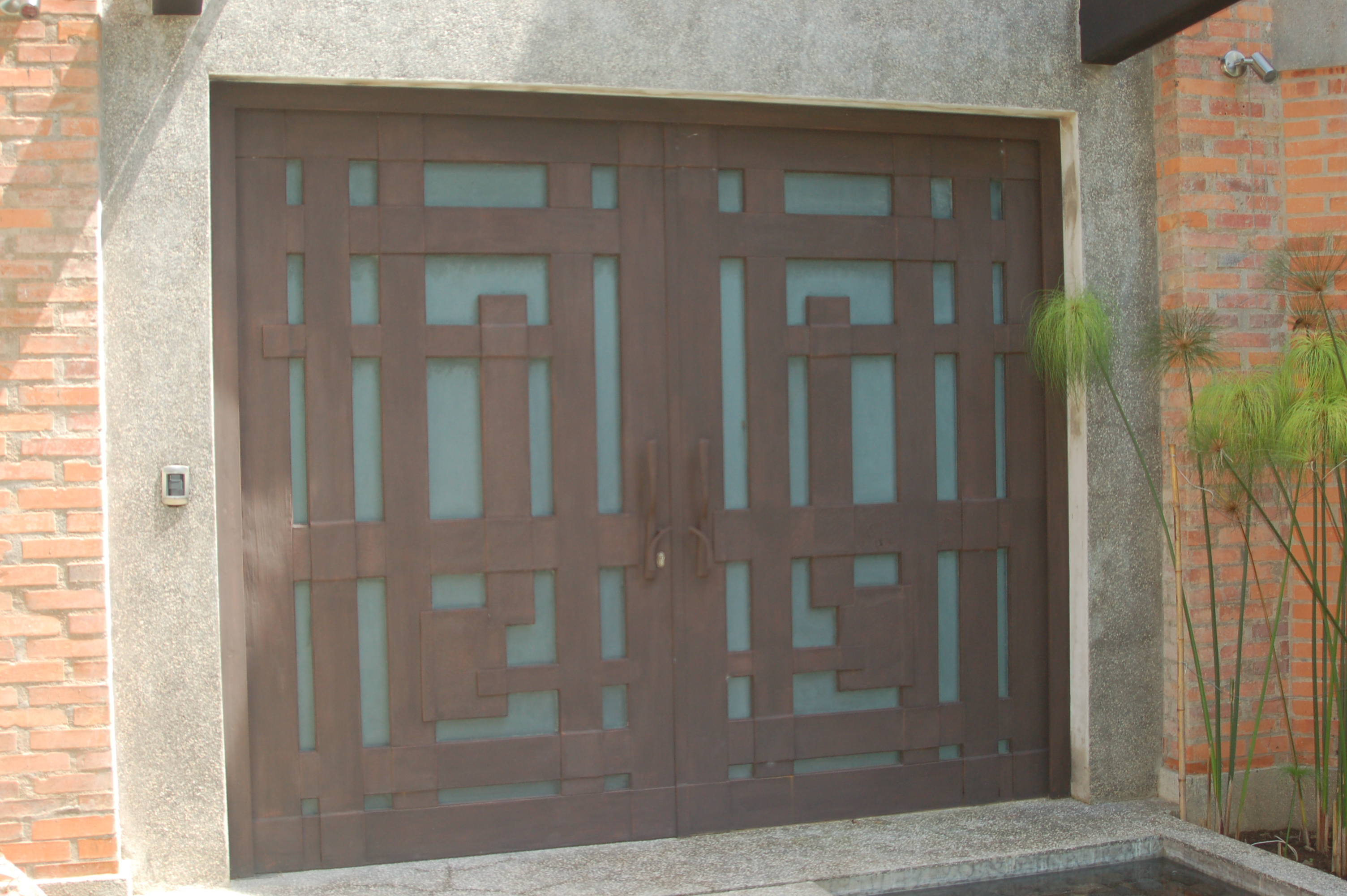 Puertas y Divisores de Espacio