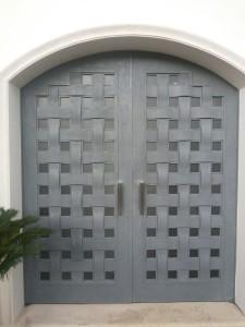 puerta tejida gris